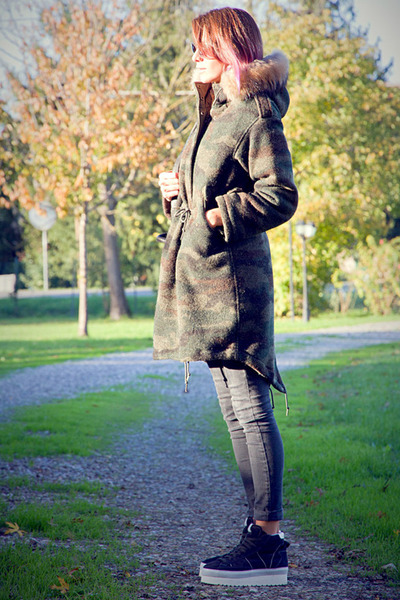 forest green museum coat - black Topshop jeans - dark gray Soya Fish sneakers