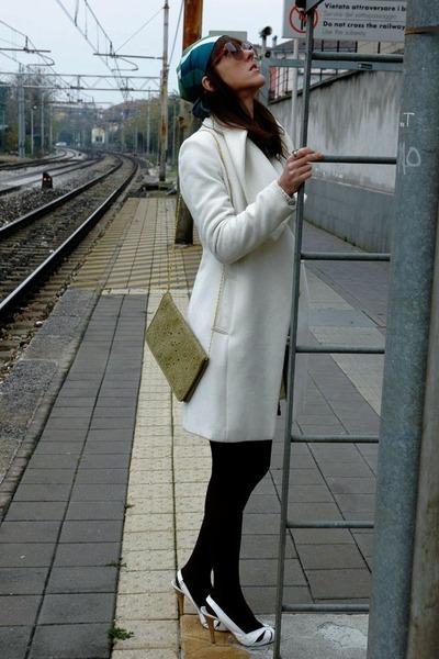 Farux bag - Zara shoes - Shanghai coat - Calzedonia stockings - vintage glasses