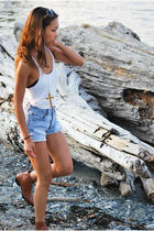 white TNA t-shirt - blue Vintage Levis shorts - brown vintage boots