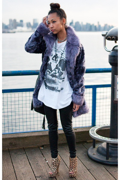 purple Vintage Aldo jacket - white vintage t-shirt - black Silence  Noise pants