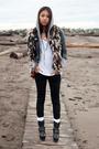 Black-vintage-jacket-black-j-brand-jeans-black-din-sko-boots-gray-tna-wh