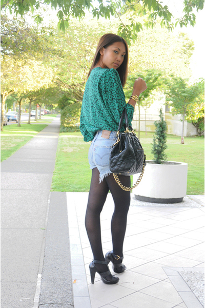second-hand blouse - Levis shorts - Marc Jacobs purse - Zara shoes