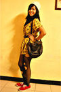 Yellow-blouse-black-top-brown-belt-red-shoes-brown-accessories-beige-a