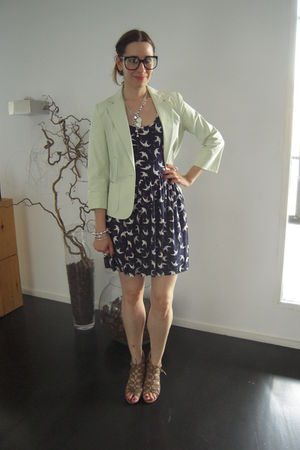 blue Zara dress - white Target blazer - beige BLANCO shoes - black Jesus del Poz