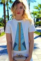 ivory Kora Rae shorts - beige Spring purse - sky blue Kora Rae top