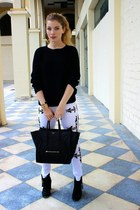 black Aldo boots - white MINUSEY jeans - black Forever 21 sweater