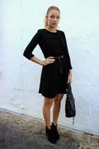 black Aldo boots - black Antonia Martorell dress - gray MINUSEY purse