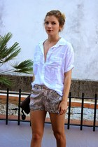 heather gray le chateau purse - light pink Zara shorts - white Forever 21 top