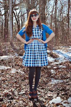 tawny thrifted belt - navy checkered vintage dress - charcoal gray tights