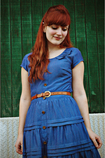 blue vintage dress - camel Target tights - tawny thrifted belt