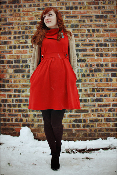 black diamond pattern walgreens tights - burnt orange modcloth dress