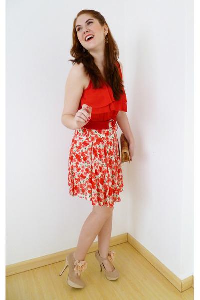 red belt - camel Angela Gutierrez purse - red Forever 21 top - cream Qupid heels