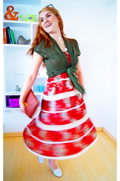 red boho dress Deep Los Angeles dress - dark brown clutch bag