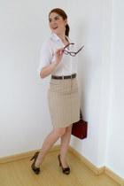 brown leopard Paris Hilton heels - white collar shirt Fashion Week shirt