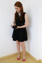 black Zara dress - white zebra print scarf - black bow clutch purse