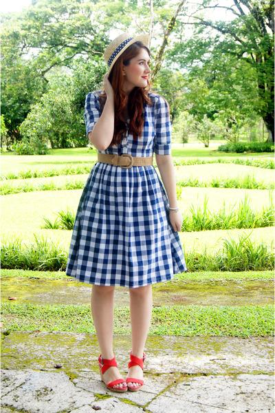 navy checkered dress Shabby Apple dress - neutral boat hat Forever 21 hat