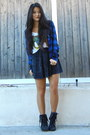 Blue-flannel-target-shirt-black-lace-up-boots-target-boots
