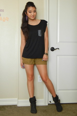 black leather Donald J Pliner boots - olive green shorts Urban Outfitters shorts