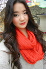 Red-infinity-scarf-cotton-on-scarf-beige-forever-21-sweater