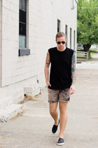 RVCA shorts - ray-ban sunglasses - sperry sneakers - H&M t-shirt