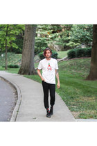 Custom Ketchup t-shirt - Levis jeans - Richer Poorer socks - Converse sneakers