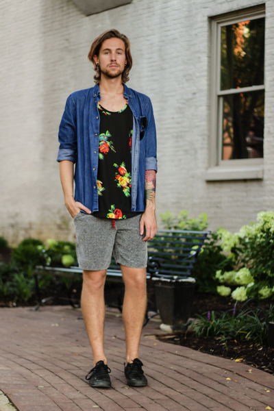 BDG t-shirt - H&M shirt - Urban Outfitters shorts - ray-ban sunglasses