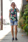 Levis-shorts-ray-ban-sunglasses-zara-sandals-jonny-iv-t-shirt