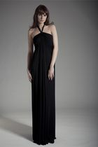 Black-oscar-london-dress