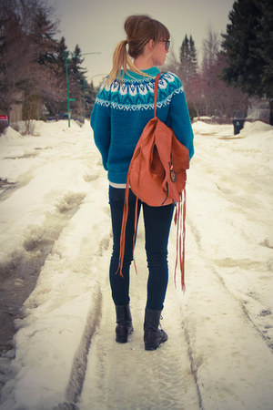 grunge Laredo boots - skinny Levis jeans - fair isle knit DIY sweater
