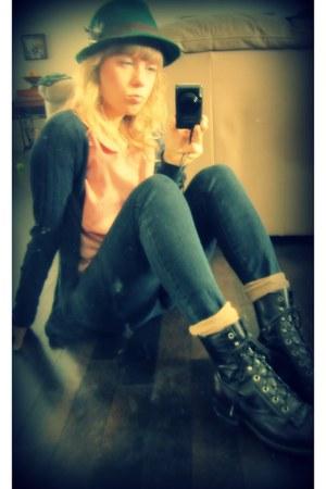 dark brown Laredo boots - navy skinny Levis jeans - dark green wool BDG hat