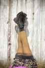Floral-xoxo-skirt-grunge-laredo-boots-hunting-retro-socks
