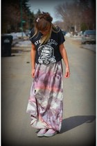 maxi ONeill dress - platform Converse sneakers