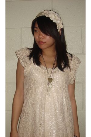 beige Forever 21 blouse - beige Forever 21 accessories - Forever 21 necklace - F