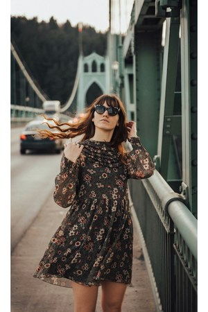 black Zara dress - dark brown Gucci glasses