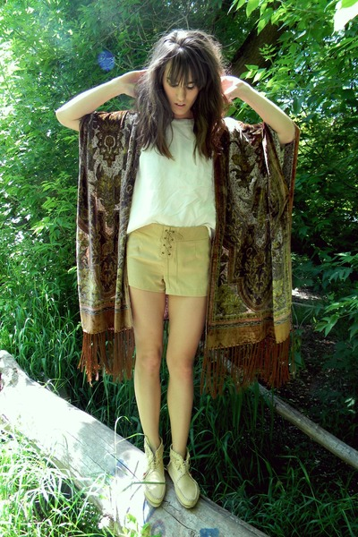 tan suede shorts - crimson fringe and silk cape