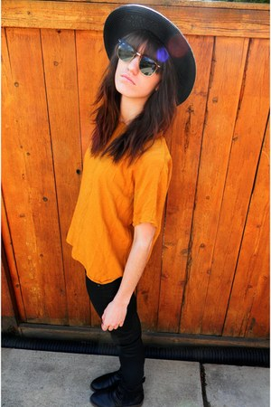 awesome Ray bans sunglasses - light orange cropped thrifted top - black pleather