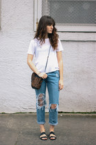 blue jeans - white shirt - dark brown Jesslyn Blake bag - black sandals