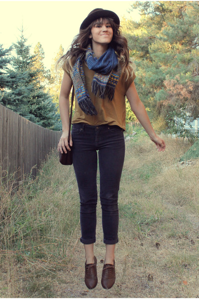 navy knitted scarf - dark brown vintage Stetson hat - mustard top