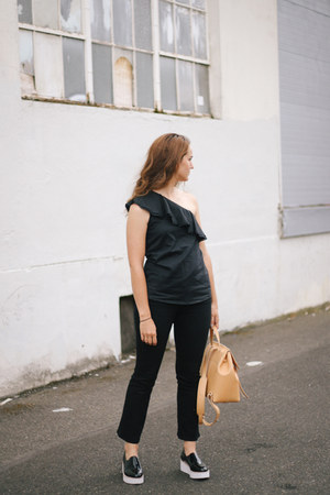 black Theory top - black Frame jeans - black Sol Sana sneakers