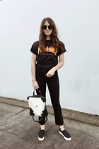 black Frame jeans - white PRIMECUT bag - black The Row sunglasses