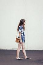 camel vintage bag - black Silence  Noise sandals - navy Kimchi Blue romper