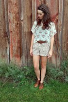 vintage shoes - floral print shorts