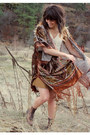 Dark-brown-vintage-boots-off-white-lace-dress-burnt-orange-cape