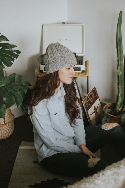 heather gray Bridge & Burn hat - navy Frame jeans