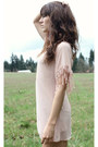 Gold-necklace-light-pink-akira-dress