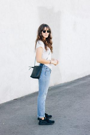 sky blue Levis jeans - black Kozha Numbers bag - white Reformation t-shirt