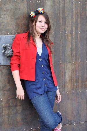 jacket - vest - shirt - jeans - shoes