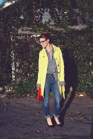 yellow trench Target coat - black boyfriends unknown shirt