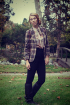 nude button up vintage shirt - dark brown rinding boots vintage boots