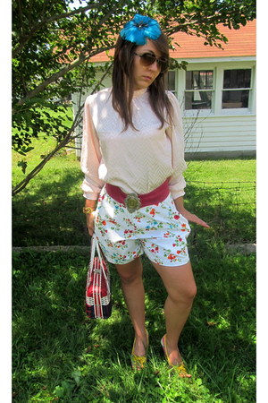 feathers Forever 21 hat - thrifted vintage purse - liz claiborne shorts - thrift